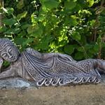 Wunderschöne liegende Buddha Steinguss frostfest